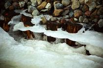 Eiskante am Flussufer von Sabine Radtke
