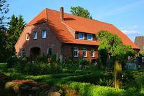 Bauernhaus mit Garten im Heidekreis by gscheffbuch