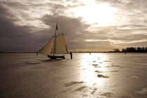 Traditional Ice sailing in winter in the Netherlands von nilaya
