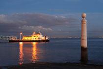 Lissabon : Abendstimmung am Tejo von Torsten Krüger