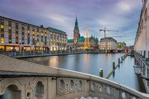 Abends am Rathaus Hamburg von Dennis Stracke