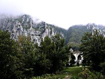 Hacienda , mountain and fog by esperanto