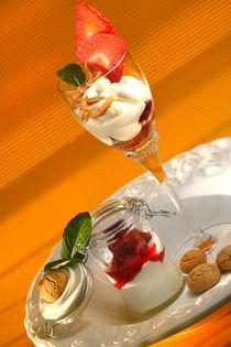 Mandelcreme mit Amarettini und Erdbeeren von lizcollet