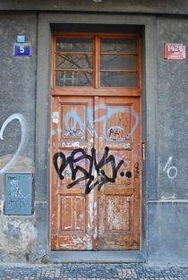 alte Tür in Zizkov, Prag... 1 von loewenherz-artwork
