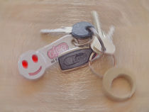 laughing key ring by Michael Naegele