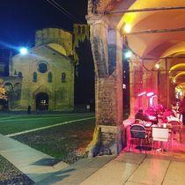 Piazza Santo Stefano by night II  von Azzurra Di Pietro