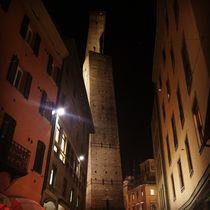 View of Garisenda and Asinelli towers  by Azzurra Di Pietro