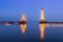 Hafeneinfahrt Lindau | Zur blauen Stunde von Thomas Keller