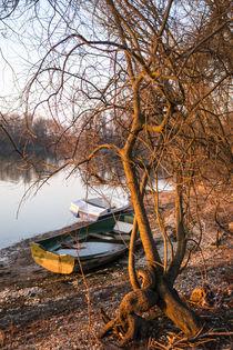 Einsame Boote by Stephan Gehrlein