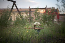 Spielplatzreste by Peter Jean Geschwill