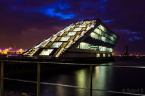 Hamburger Dockland by Robert B