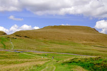 The Ascent of Mam Tor by Rod Johnson