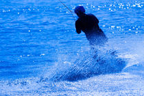 Wake boarding in blue 2 von Marc Heiligenstein