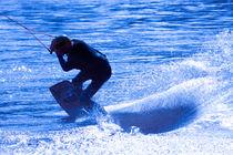 Wakeboarding in blue 3 von Marc Heiligenstein
