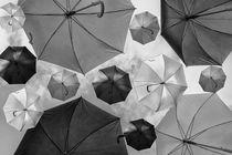 Regenschirme  by Gisela Peter
