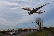 Tam Boeing 777 Heathrow Airport by David Pyatt
