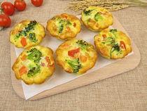 Img-2878-muffin-frittata-brokkoli-moehre-tomate-reis