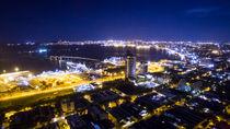 City lights von Andres del Castillo