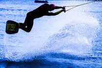 Wakeboarding in blue 5 von Marc Heiligenstein