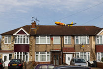DHL Airbus A300 Emerging From A House von David Pyatt