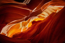 Upper Antelope Canyon - View of Monument Valley von Martin Williams