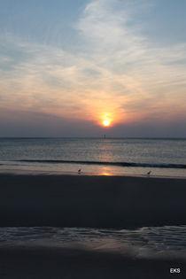 Sonnenuntergang am Meer ... Sylt ... Strand, blau von Edeltraut K.  Schlichting