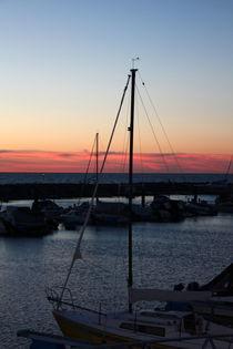 Hafenromantik ... Sonnenuntergang, Ostsee ... Segelschiff, blau von Edeltraut K.  Schlichting
