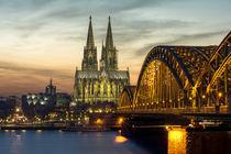 Kölner Dom - Hohenzollernbrücke - Sonnenuntergang by Klaus Tetzner