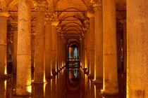 Säulengang in unterirdischer Zisterne by cfederle