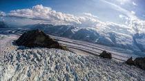 Kennicott-glacier-and-packsaddle-island-wrangell-st-elias-national-park