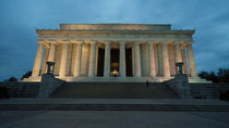 Lincoln Memorial Twylight  by Rob Hawkins