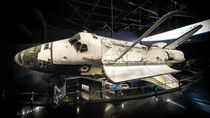 Space Shuttle Atlantis  von Rob Hawkins
