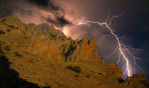 Rocks and lightning von Yuri Hope