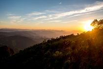 Sea of ??mountains at dawn von Joao Henrique Couto e Silva