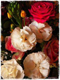 Still Life Flowers  von Sandra  Vollmann