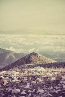 Mountains in the background IV von Salvatore Russolillo