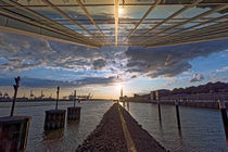 Sonnuntergang am Dockland by Borg Enders