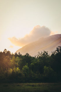 Mountains in the background IX von Salvatore Russolillo