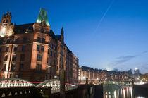 Speicherstadt am Abend by Borg Enders