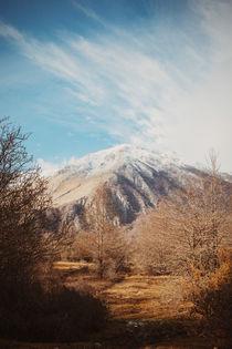 Mountains in the background XVI von Salvatore Russolillo
