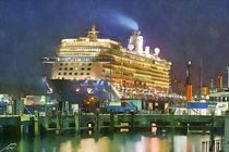 Cruise ship by Wolfgang Pfensig