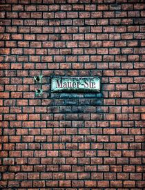 Mauer-Str. by pictures-from-joe
