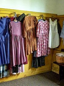 Sig7500-littlegirlsgathereddresses