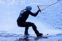 Wakeboarding in blue 12 von Marc Heiligenstein