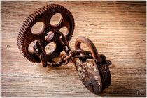 Chain-ties-still-life-things