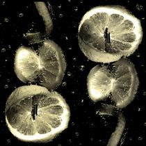 sparkling - Lemon slices von Chris Berger