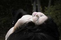 Nackt am Pferd von Denise Schneider