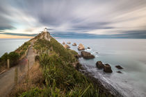 Nugget Point with clouds passing by von Felix Gross