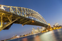 Blue Hour in Sydney by Felix Gross
