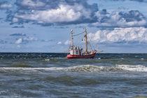 Krabbenkutter vor Sylt von Annett Mirsberger